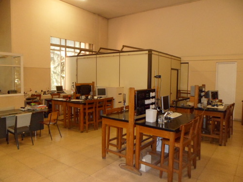 Lab.%20F%C3%ADsica%20%282%29.JPG